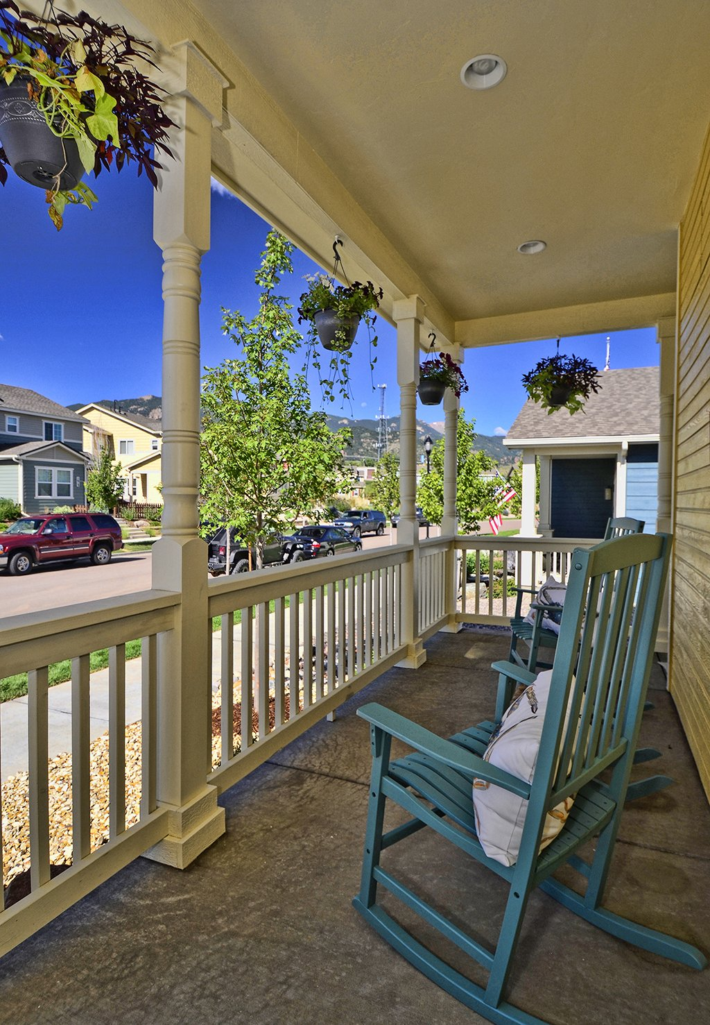 Sold luxurious parade model in gold hill mesa for sale for Side porch