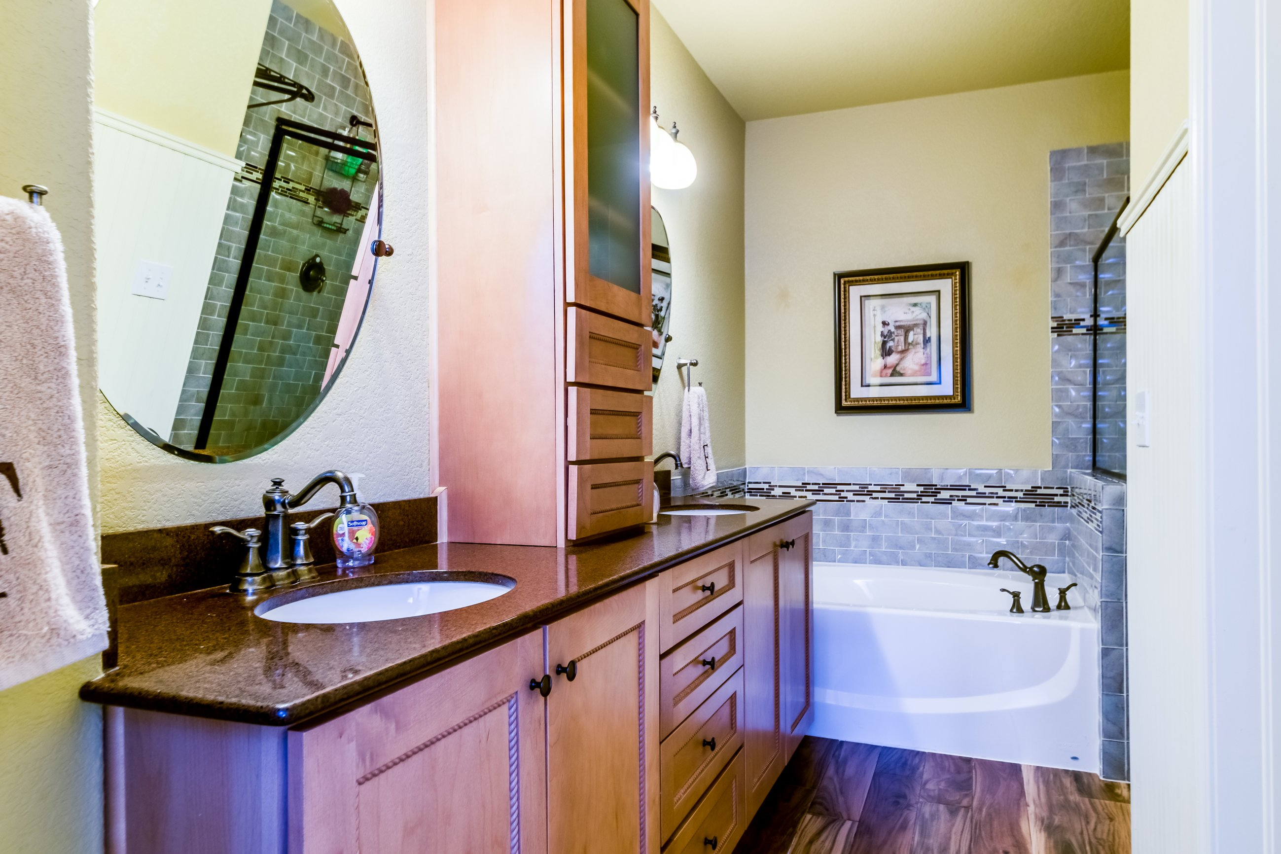 Gold Hill Mesa condo for sale, picture of stunning bathroom